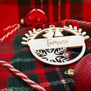 Drevená vianočná ozdoba v bielom prevedení